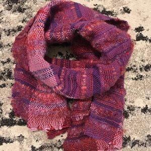 Berry tone textured handwoven scarf